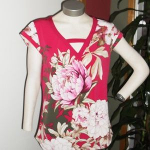 NWOT Woman's Red Floral Blouse Sz M